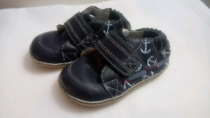0-3 months leather Robeez Boat Shoes - Like New