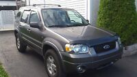 2005 Ford Escape illimited  VUS 4x4