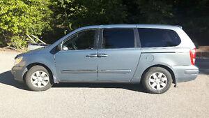 2008 Hyundai Entourage Minivan, Van