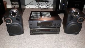 Kenwood/Technics Stereo With Speakers