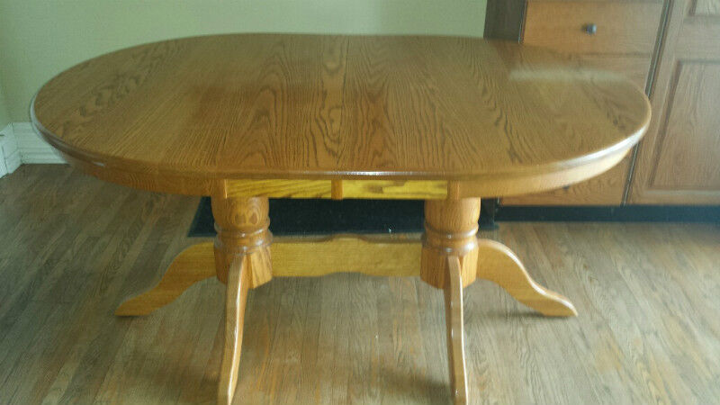 SOLID Oak Dining table set dining tables and sets City  : 20 from www.kijiji.ca size 800 x 450 jpeg 54kB