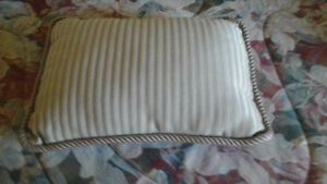 Queen size entire comforter set (Just amazing deal) Cambridge Kitchener Area image 3