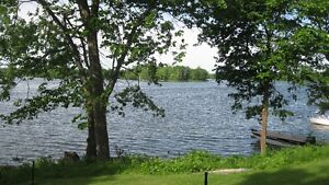 Midweek special July 24-29 2 bdr waterfront $300 for 5 nights