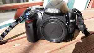 Nikon D5000 excellent condition.