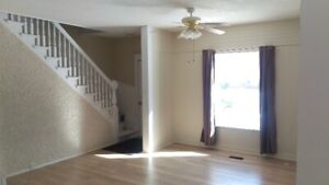 NEWLEY RENOVATED LARGE 2 BDRM +DEN/OFFICE HOUSE 1450.00 PER MONT