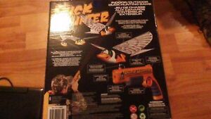 DUCK HUNTER INTERACTIVE TOY. THE DUCK CAN REALLY FLY !SOLD PPU!! Stratford Kitchener Area image 3