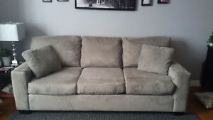 *GREY COUCH*