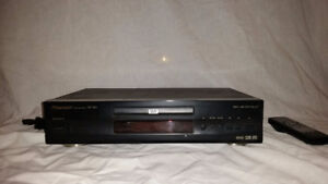 Pioneer 5 CD/DVD Player With Remote!