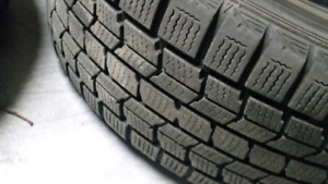 "Dunlop Graspic DS-3 Set of 4 Winter Tires & Rims 15"" P195-60R15"