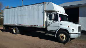 Freighliner Moving Truck to trade for enclosed Trailer