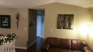 392 Marla Crescent – 4 years old - Finished Up and Down!! Windsor Region Ontario image 4