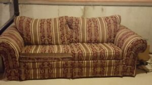 Like-New Pull-out Bed Couch