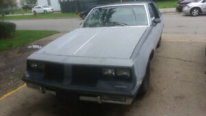 84-OLDS CUTLASS 2 DOOR PROJECT CAR--60000KMS--NEEDS
