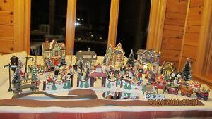 NOUVEAU PRX!  Père-Noël, Maisons illuminées, Village Québec City Québec image 5