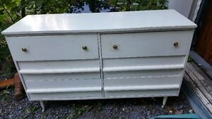 Vintage lightweight solid wood white dresser with 6 drawers