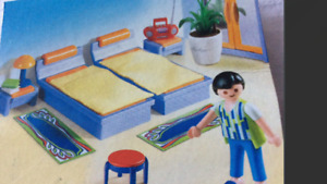 Play mobile bedroom set  ONLY 6$