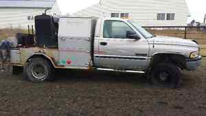 Welding Truck - 2000 Dodge Power Ram 3500