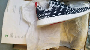 Nmd r2 pk navy ds with stock x tag and receipt size 13 ADIDAS