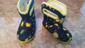 Baby Bogs- like new! Size 7t