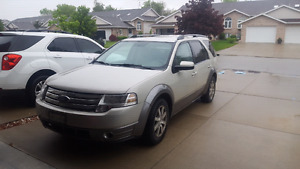 2008 Ford Taurus X     AS IS.