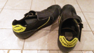 Ladies Marinoni clip-in bike shoes and Shimano pedals