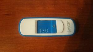 Lexar 8GB Usb 3.0 stick
