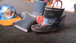 Paw Patrol hat and 2 rain boots size 7