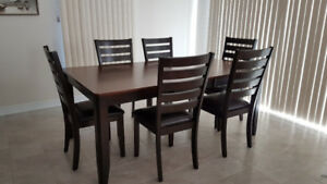 Kitchen Dining Set with 6 chairs EXCELLENT condition