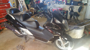 2005 HONDA SILVER WING - LOW KM