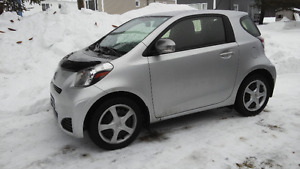 2014 Scion iQ Coupé (2 portes)