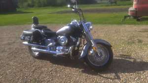 """05 Yamaha 650 Vstar Classic"
