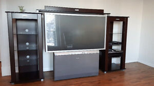 TV, Media Console, DVD player, 5-CD player, Cable box