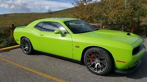 2015 Dodge Challenger SRT 8 Coupe (2 door)