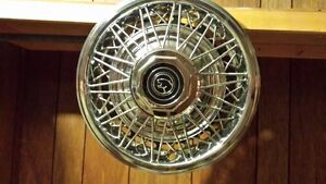 hub caps for Cougar (Ford factory originals) for 14 inch wheels