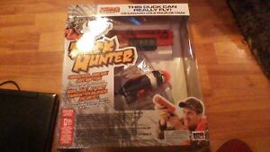 DUCK HUNTER INTERACTIVE TOY. THE DUCK CAN REALLY FLY
