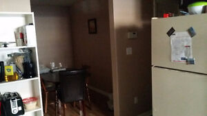 Furnished room for rent from end of December, close to UWO. London Ontario image 3