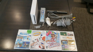 Clean Nintendo Wii with games