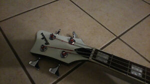 Basse Eastwood Airline Map bass guitar West Island Greater Montréal image 3