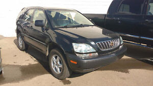 2002 Lexus RX300 SUNROOF AND LUXURY PKG!