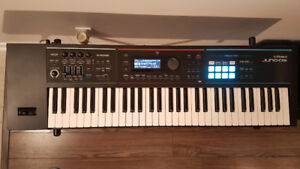 Roland Juno DS61 Synthesizer - Like New