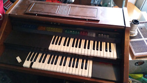 Orgue Lowrey Debut Organ