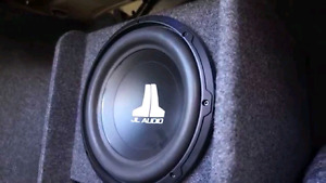 """Pheniox gold xs2300 amp and jl wedge 10"""" subwoofer"""