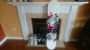 Perfect condition snowboarding package