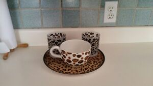 Leopard Design Glassware with Tray