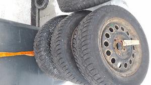 4 pneus General Altimax 205/65 R15. + jantes + positionnement