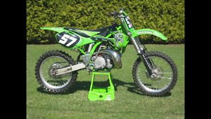 2001 Kawasaki KX250 2 stroke motocross/dirt bike