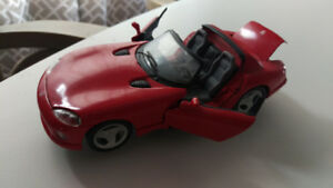 MINT CONDITION Die Cast Dodge Viper RT10 Model 1:24