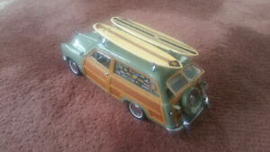 FORD WOODY DIECAST