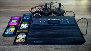 """""""Darth Vader"""" Atari 2600 console with 5 games"""