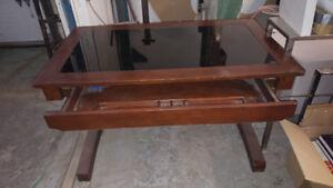 Bureau d'ordinateur en bois franc avec verre tremper
